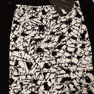 Skirt, NWT. BCBG Max Blk & Wht. XL